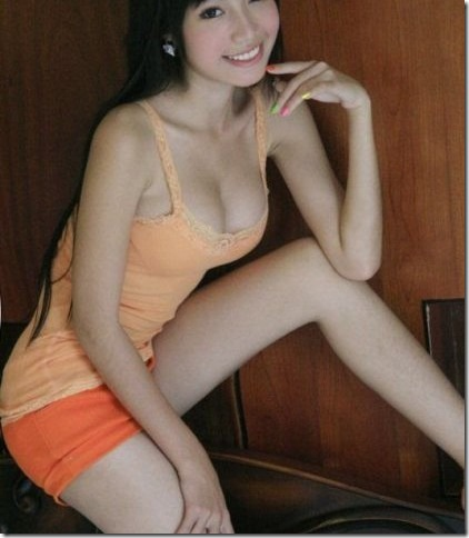 FotoNakal-ModelNakalIndonesia-418x480