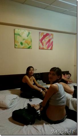 ラジャホテル 女の子が待機している部屋