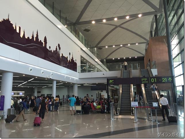 ブノンペン国際空港新ビル(出発ロビー)