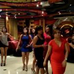 体験談 ジャカルタ クラシックホテルの3階の置屋以外の遊び場(5階 KTV、 1階クラブ)